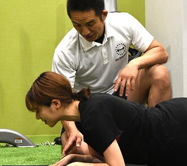 コーチを受けながら身体の状態を改善しています